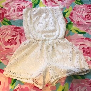 Lilly Pulitzer white lace romper sz xs